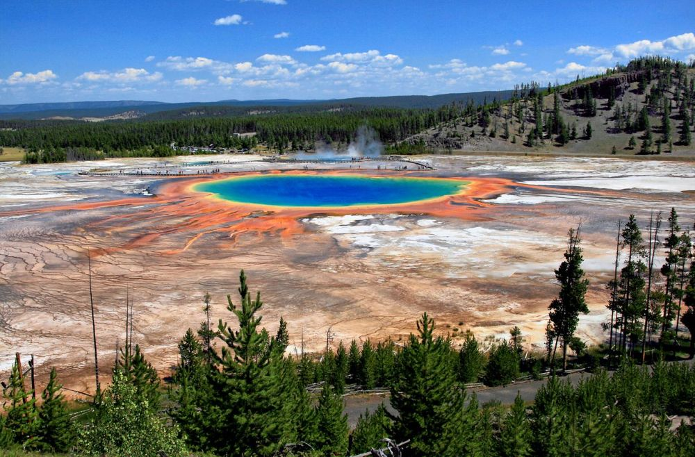 grand_prismatic_spring_and_midway_geyser_basin_from_above
