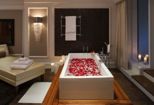 romantic-suite-rose-petals