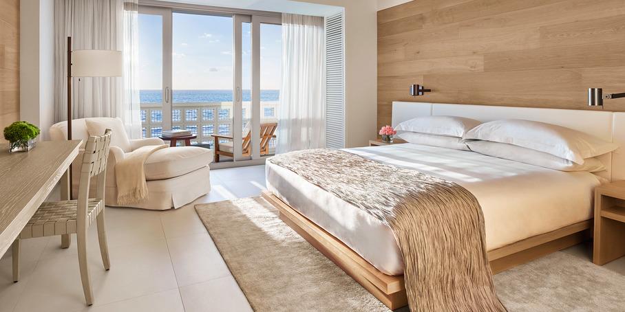 oceanfront-balcony-king-2000x1000