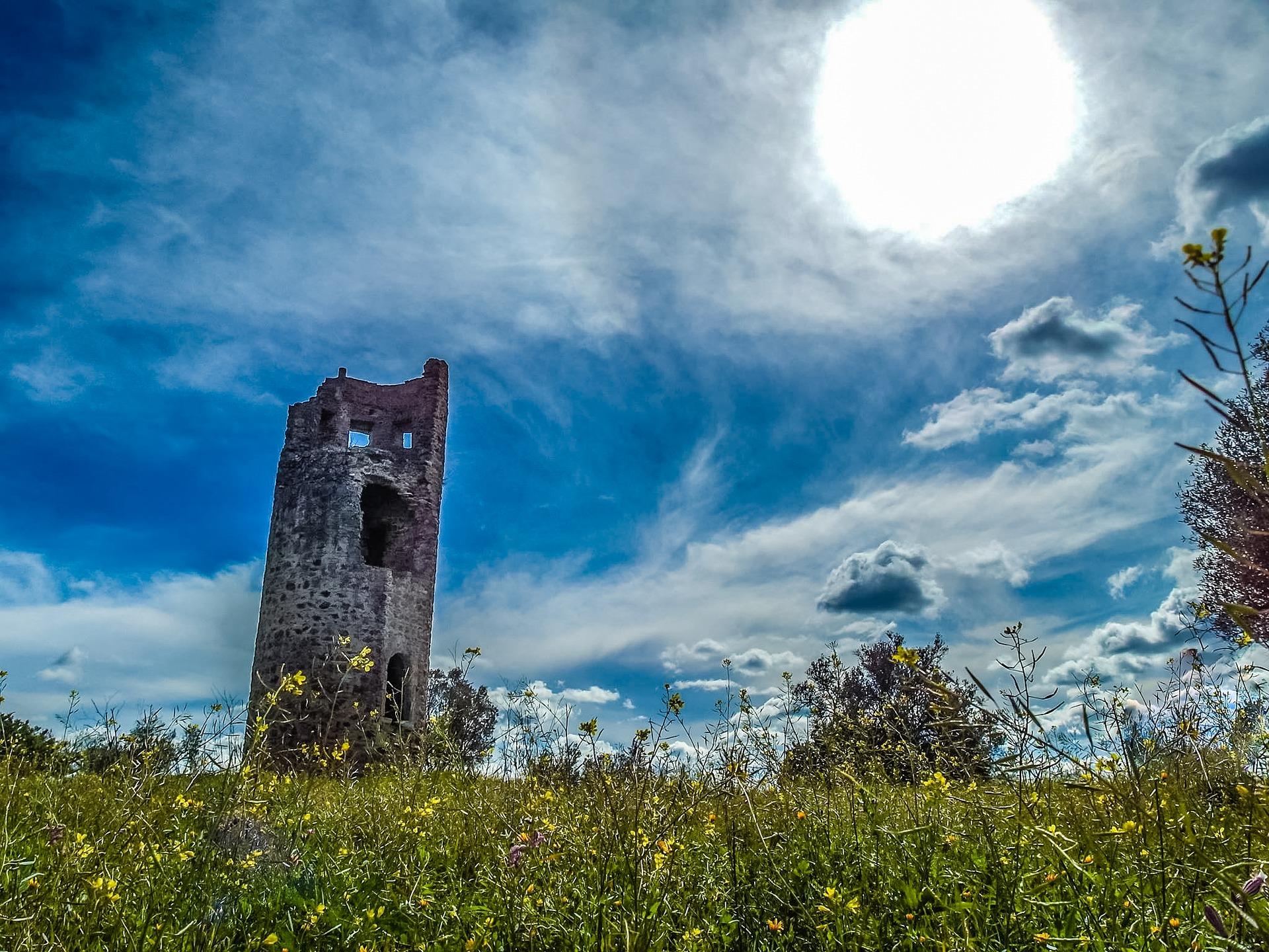 tower-of-atalaia-magra-2677622_1920