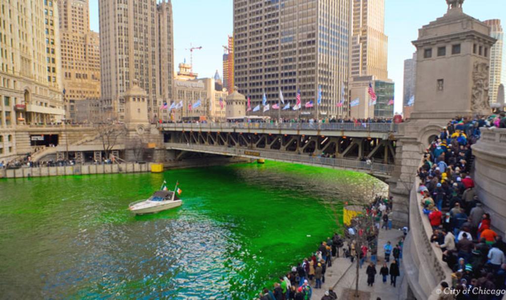 St_Patricks_Day_Chicago_1_fddc979a-0220-4d1f-8057-05ed04326b2b