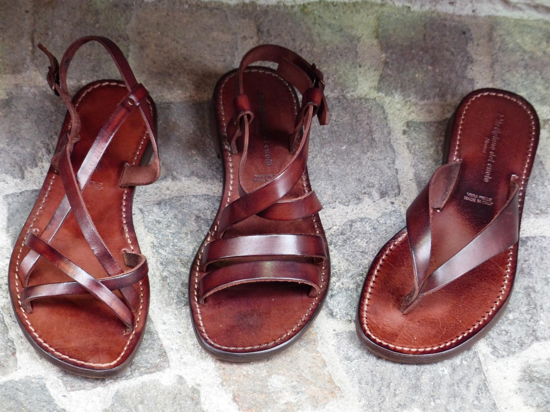 shoes-357897_1920